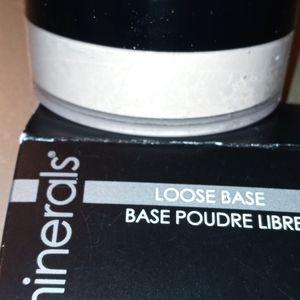 Glo minerals Golden Medium loose base Foundation
